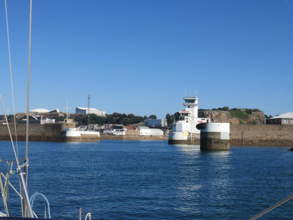 Entrée du port de Saint Helier